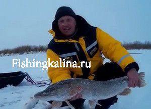 Трофейная рыбалка на зимнюю щуку со льда