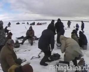 Рыбалка зимняя на Волге