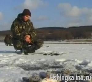 Днепровская рыбалка зимой на окуня мормышкой