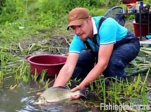 Рыбалка на речного леща - отпускаем рыбу