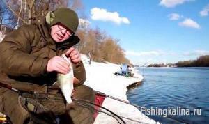 Рыбалка по открытой воде на фидер зимой