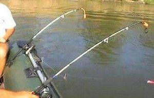 Бортовые удочки для ловли рыбы с лодки на кольцо